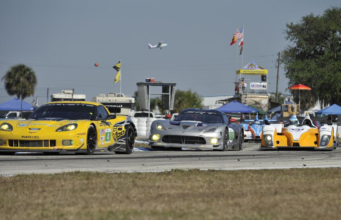 12 Hours of Sebring Viper Corvette